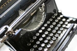 typewriter-1240422-1280x850